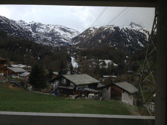 Matterhorn Focus - Design Hotel: Front view from the bedroom
