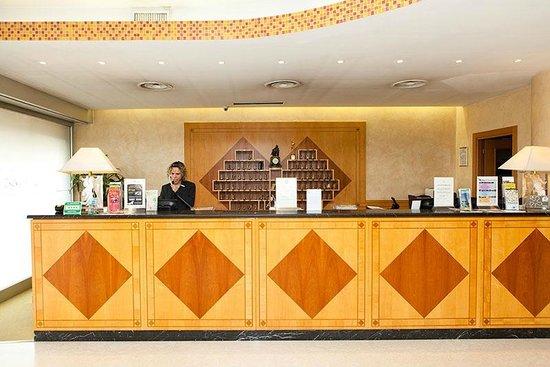 Qualys Hotel Nasco: Reception