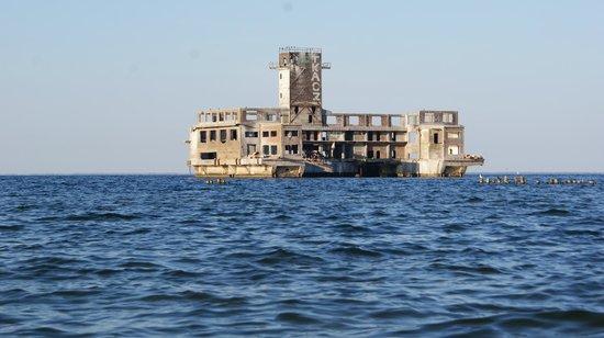 Torpedo Launch Station: widok z plaży
