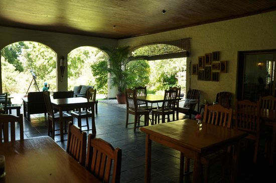 Laughing Waters Guest House: view of the dinning
