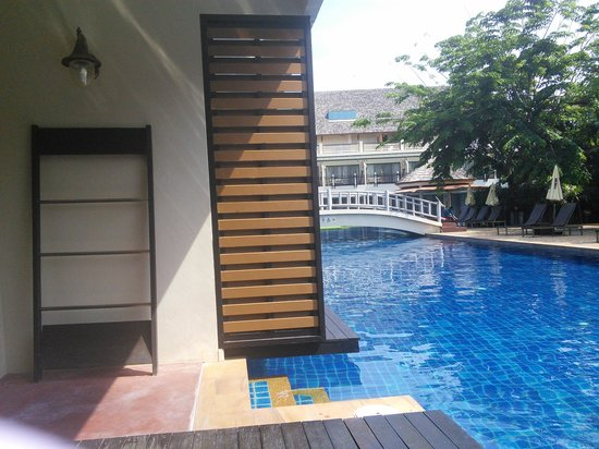 Cha-Da Beach Resort & Spa: pool access
