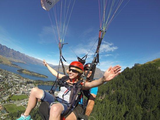 GForce Paragliding: Flying