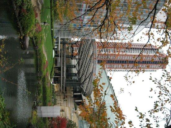 Roppongi Hills, Shop & Restaurant Area : ...
