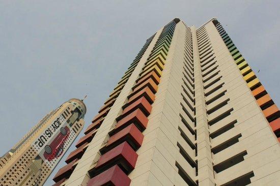 Baiyoke Suite Hotel: Вид на здание