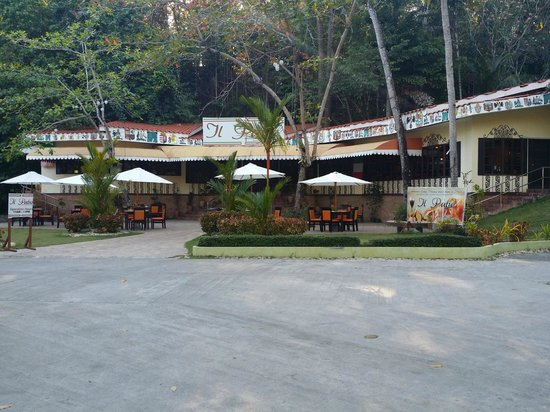 Dakak Park & Beach Resort: Italian restaurant