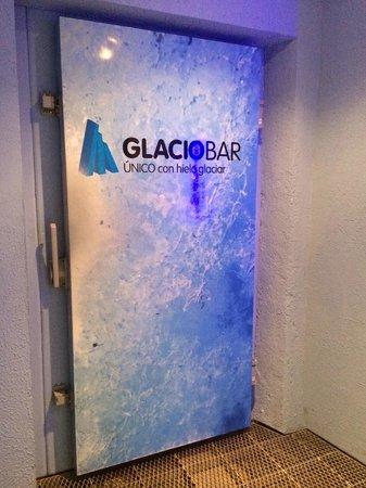 Glaciarium: Entrada do Glaciobar