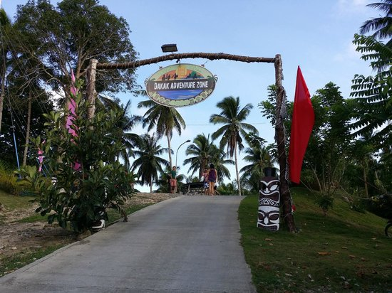 Dakak Park & Beach Resort: Zipline area