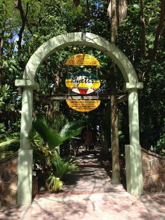 Myett's Garden Inn: Entrance to Myetts