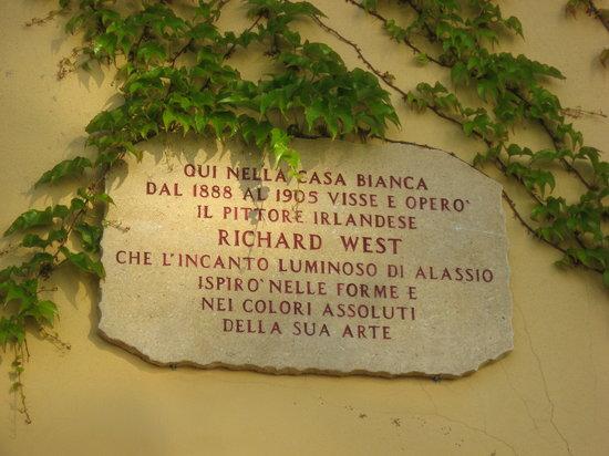 Hotel Beau Rivage: Targa in memoria del pittore irlandese RICHARD WEST