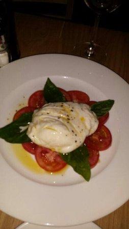 Ciao Bella: Caprese salad yummy