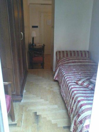 Hotel Cinquantatre : where i slept