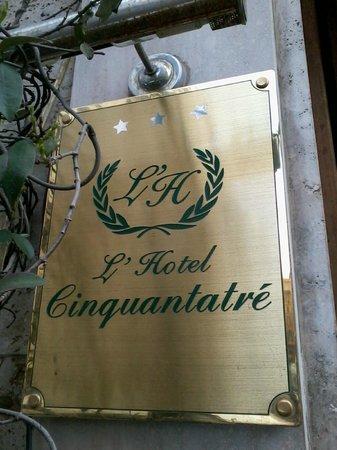 Hotel Cinquantatre: hotel sign