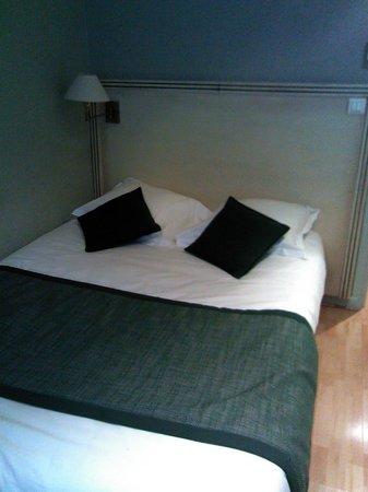 Hotel De Bourgogne: chambre confort..