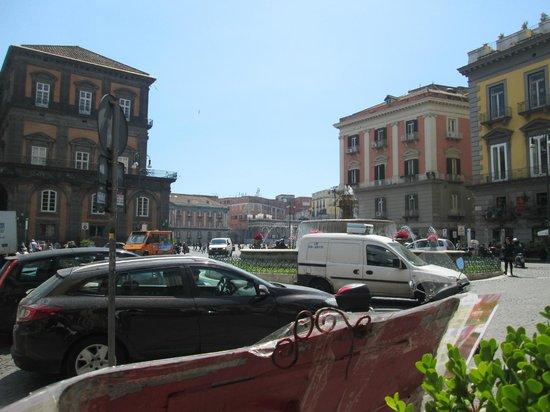 Rossopomodoro Napoli Centro: La visuale che si gode dal posto dove ho mangiato!