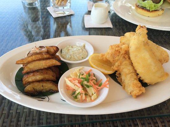 Breeze at The Samaya Seminyak : Beer battered fish and potato wedges
