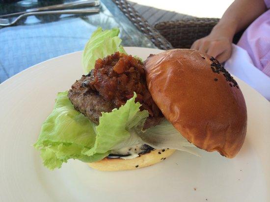 Breeze at The Samaya Seminyak : Wagyu beef burger