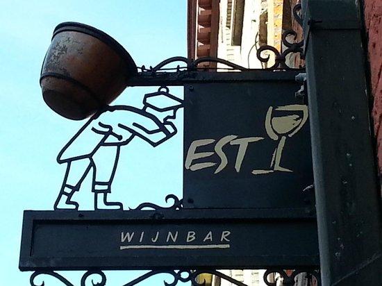 Wijnbar Est: l'insegna del locale