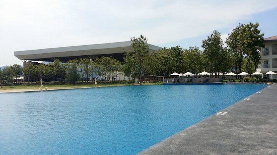 Century Langkasuka Resort: Pool View 2
