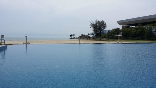 Century Langkasuka Resort: Pool View 3