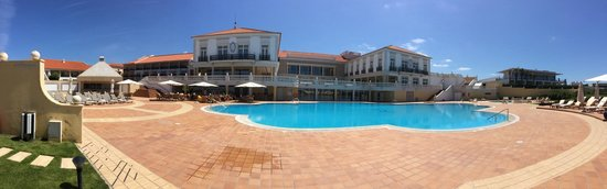 Praia D'El Rey Marriott Golf & Beach Resort: Piscina
