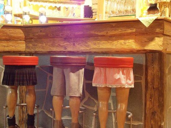 Restaurant Landhaus-Stüberl: sgabelli