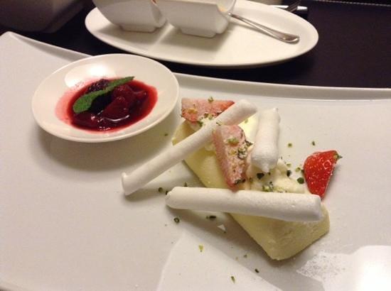 Conrad Seoul: cheese cake