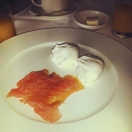 Ockenden Manor Hotel & Spa: Breakfast