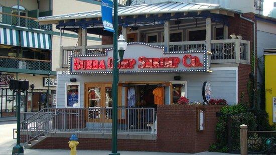 Bubba Gump Shrimp Co. Restaurant and Market  |  900 Parkway, Gatlinburg, TN 37738