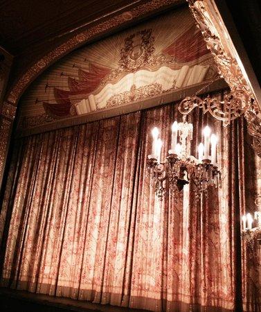 Teatro Bolscioi: Большой театр, занавес