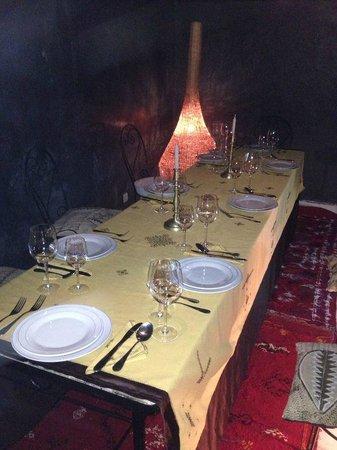 Riad Golfame: Tavola imbandita per la nostra prima cena al Riad