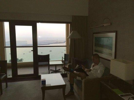 Amwaj Rotana : Myself in the room