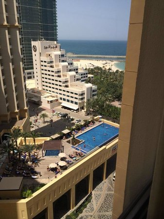Amwaj Rotana : View from the side of the Hotel