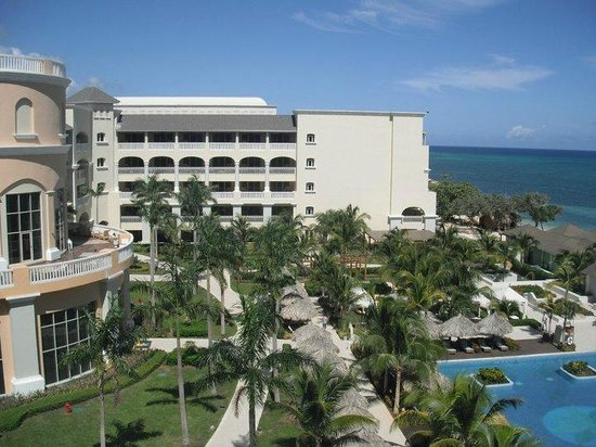 Iberostar Grand Hotel Rose Hall: the grounds
