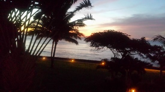 Le Meridien Ile Maurice : sunset from our balcony
