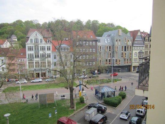 Steigenberger Hotel Thüringer Hof: Aussicht Karlsplatz 1