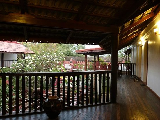 Thurizza Hotel Bagan: le patio autour de la courette