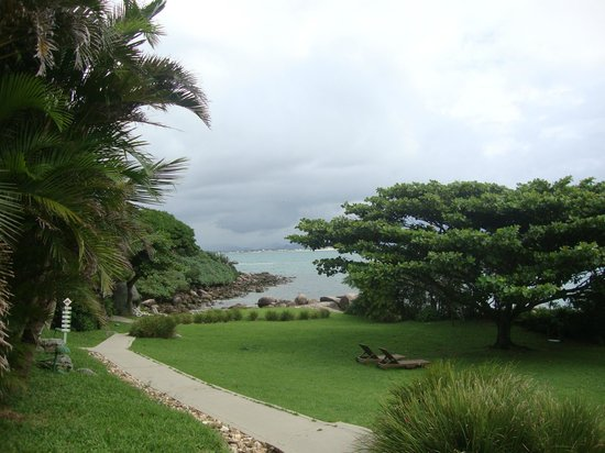 Ilha do Papagaio: Vista da prainha lateral indo para alguns chalés