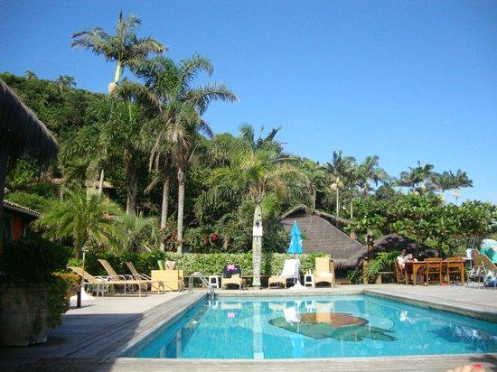 Ilha do Papagaio: Vista interna da área da piscina