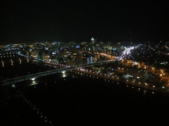 Hotel Nikko Niigata: 窓からの夜景