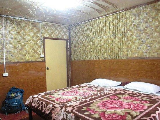 Mingalar Inn : la chambre twin bed