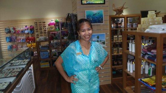 Kurumba Maldives: ANA at the gift shop, lovely person!
