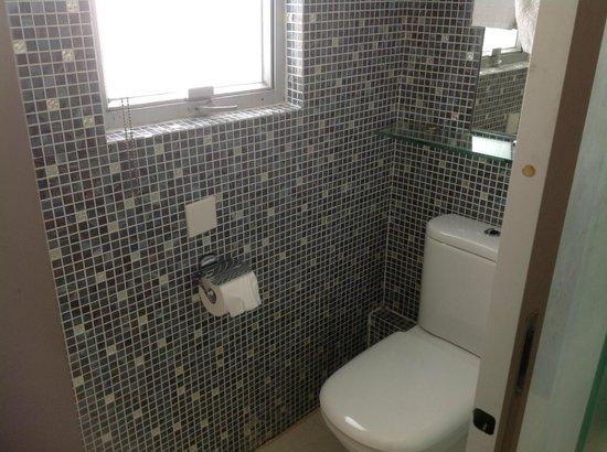 Acesite Knutsford Hotel : kamar mandi