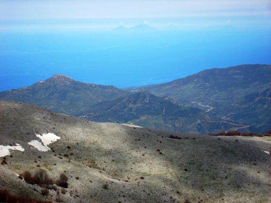 Parco delle Madonie : Monte Ferro mit Blick auf Isola di Salina