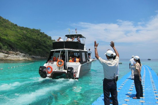 The Racha : Departing guests