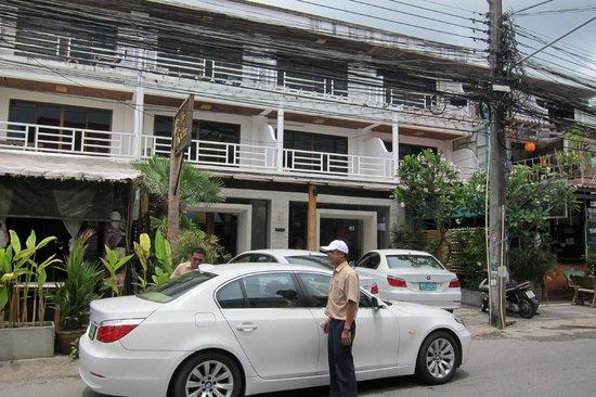 The Racha Chalong Bay Lounge
