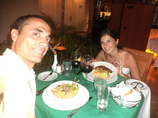 Sunset Royal Cancun Resort: Disfrutando la cena en Capriccio