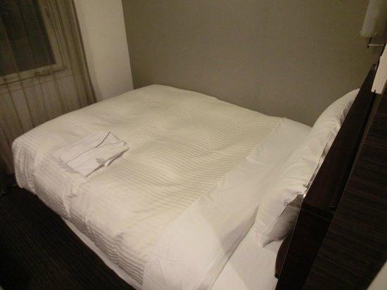 Sotetsu Fresa Inn Hamamatsucho Daimon: Great Bed