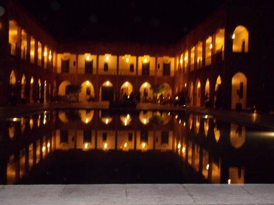 Kasbah Caracalla: Vue réelle de nuit ...