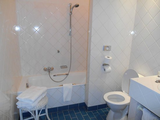 Hotel De Tuilerieen : Salle de bain