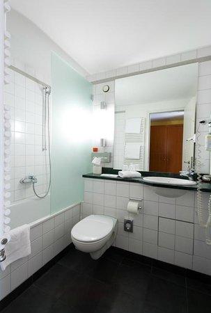 Golden Leaf Parkhotel im Lehel: Badezimmer